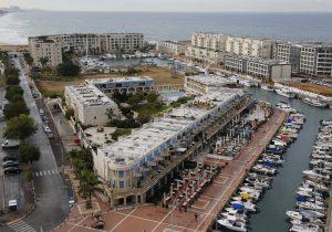 Комфортабельное жилье с видом на яхт-порт