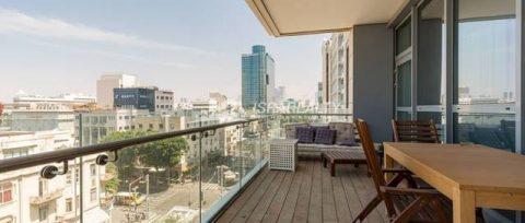 Стильная квартира с дизайнерским ремонтом в Тель-Авиве