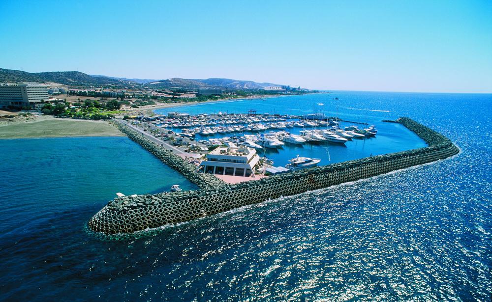 порт в лимассоле